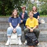 Paula Langsch, Timea Bachmann, Anna Stüdeli und Nadia Ehmannkämpfen für ein Ja am 26. September. (Valentin Hehli)