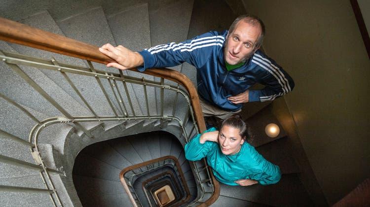 Ihren ersten Auftritt hatten Nathalie Maerten und Urs Baumgartner alias Square Meter Sampleim Treppenhaus an der Webergasse 7 in St. Gallen, wo sich ihr Proberaum befindet. Auch am Bandraumfestival Disorder ist ein Konzert im Treppenhaus geplant. (Bild: Andrea Tina Stalder)