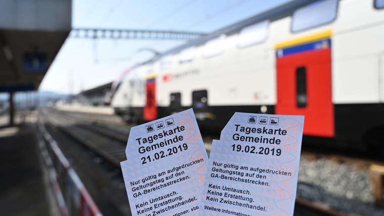 Rückläufige Zahlen: Verkauf der SBB-Tageskarten wird eingestellt ++ Rüfenach: Bevölkerungsumfrage zum Thema Fusion wird gestartet