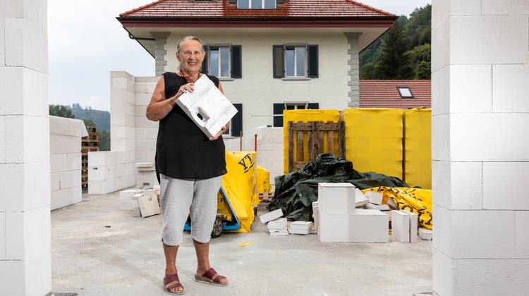 Das Grundstück neben dem Haus von Frieda Steffen gehört ihr und lag über 20 Jahre brach. (Valentin Hehli / WYS)