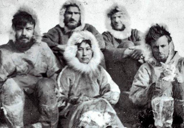 Wie eine von der Expedition zurückgelassene Frau vor 100 Jahren alleine im Eis überlebte
