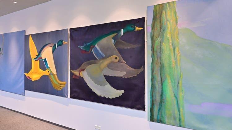 Die grossformatigen Bilder des Oltner Werner Rüefli sind im grossen Foyer des Hotels Arte ausgestellt. (Bruno Kissling)