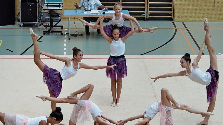 Flashmob zum aktuellen Welthit Jerusalema: Fulminante Show der Gymnastinnen zum 30. Geburtstag