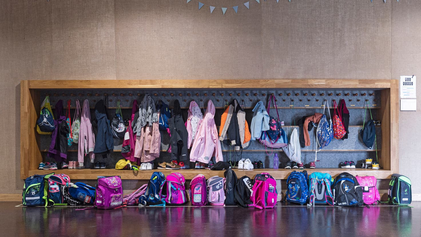 Ein möglichst normaler Schulalltag für die Kinder: Dieses Ziel steht für die Stadt St.Gallen zuoberst. Nur verwirren die unterschiedlichen Massnahmen des Contact-Tracings je nach Schulstufe die Eltern. (Bild: Simon Tanner)