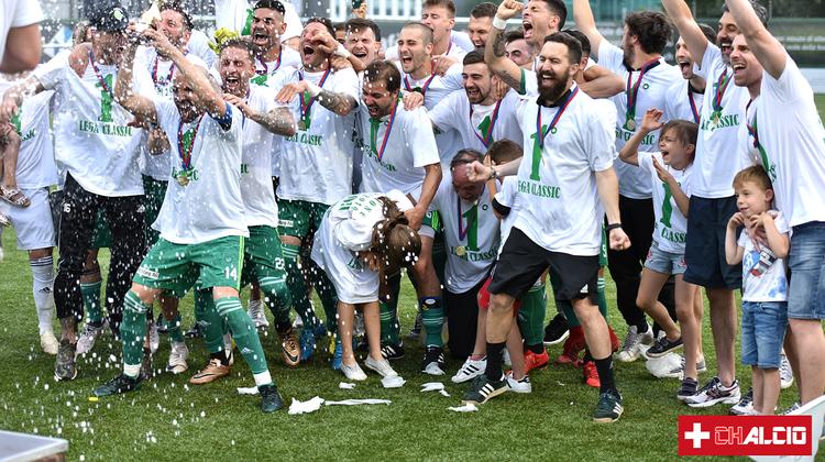 Jubel bei den Paradiso-Spielern über den Aufstieg in die 1. Liga im Frühsommer 2019.