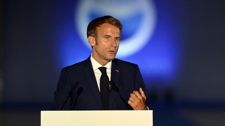 Der Schritt geschehe auf Wunsch von Präsident Macron, heisst es. (Symbolbild) (Keystone)