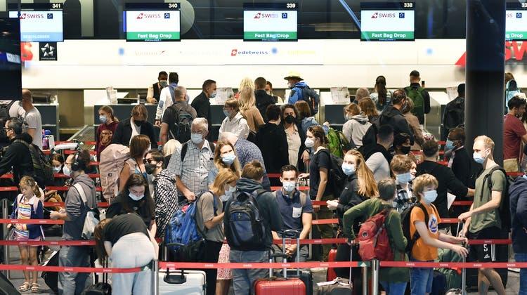 Am Flughafen Zürich ist wieder mehr los. (Keystone)