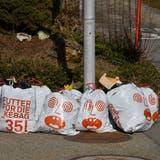 Werden auch in Egerkingen – wie auf dem Foto in Oensingen – bald Abfallsäcke der KEBAG Zuchwil den Strassenrand säumen? (Bruno Kissling)