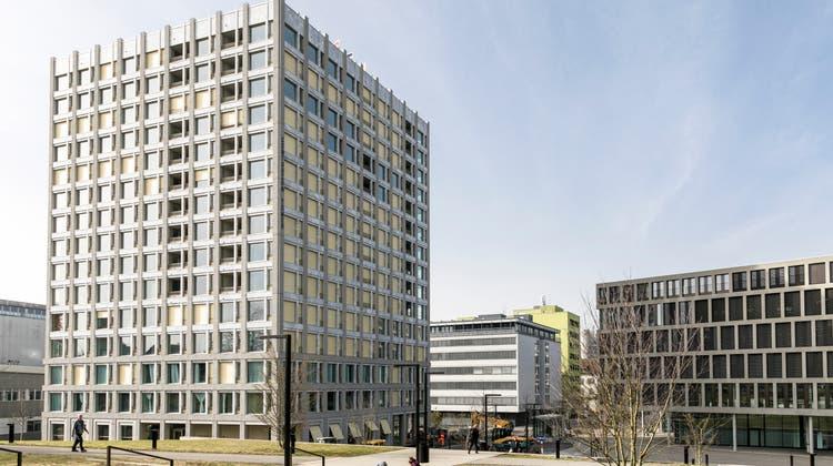 Im Centurion Tower beim Fachhochschul-Campus und Bahnhof sind ein Hotel sowie Miet- und Eigentumswohnungen untergebracht. (Sandra Ardizzone (22. Februar 2021))