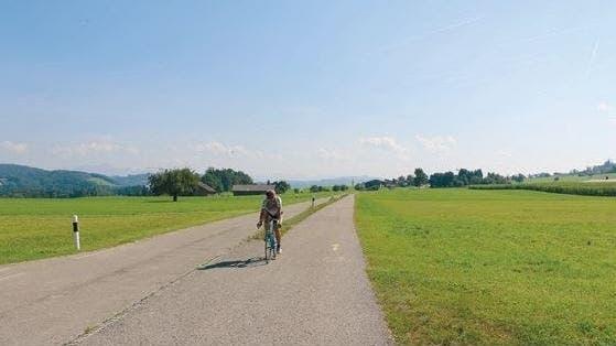 Der Radweg entlang der Wilerstrasse in Richtung Bazenheid. (Bild: PD)