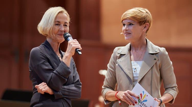 Susanne Schaffner im Gespräch mit Sandra Boner. (José R. Martinez)