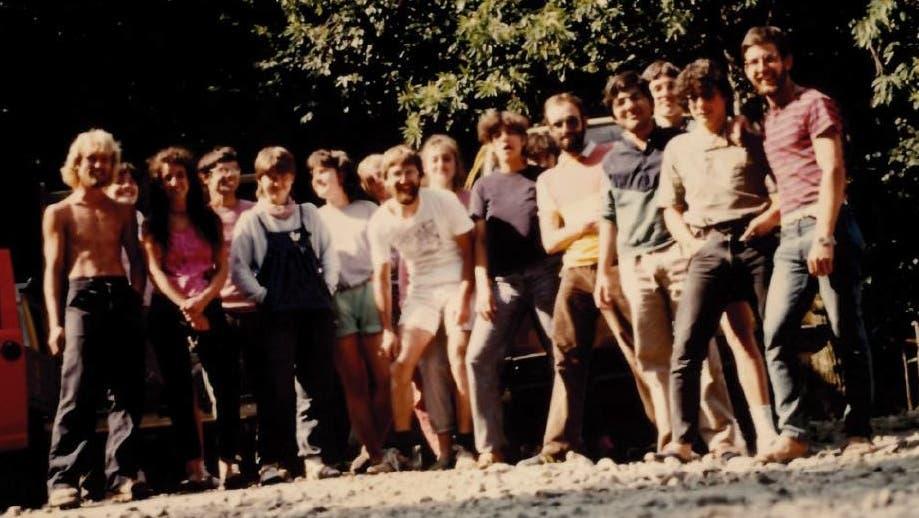 Die JUSESO-eigene Postkarte: sie zeigt das Tessiner Bergdorf, wohin die «Jugendbewegung» regelmässig ging, um zu arbeiten. (zvg)