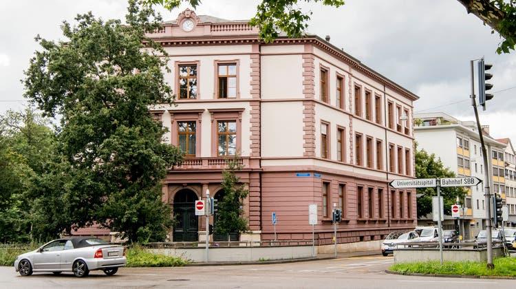 Für jedes der vier Basler Gerichte gibt es so viele Wahlvorschläge wie Ämter zu vergeben sind. (Nicole Nars-Zimmer)