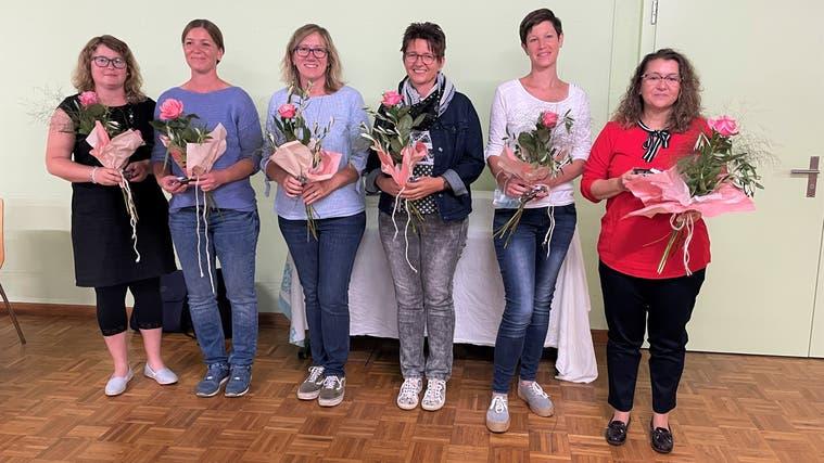 Glückliche Gesichter (von links): Simone Schwarz, Ingrid Mathys, Sandra Rohrer, Dora Amsler, Andrea Pfister und Feli Monardo. (zvg/Vreni Weber)
