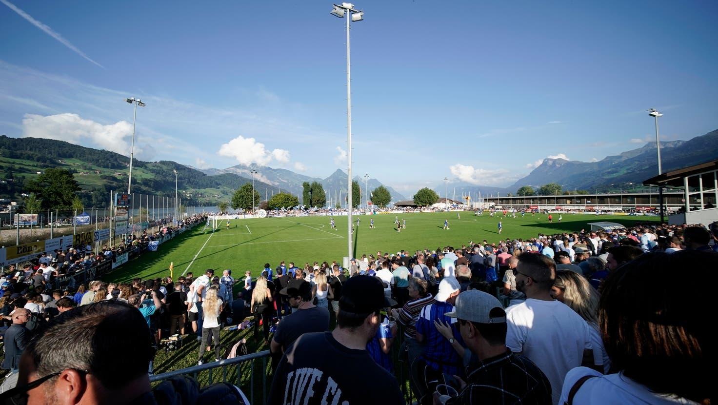Die Buochser Fans konnten ihre Mannen zu Höchstleistungen antreiben. (Bild: Martin Meienberger / Freshfocus(Buochs, 18. September 2021))