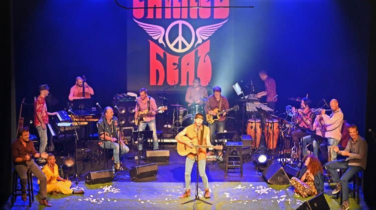 Mit der Vorstellung «Tribute to Woodstock» startete das Stadttheater in die neue Saison. (zvg/Remo Fröhlicher)