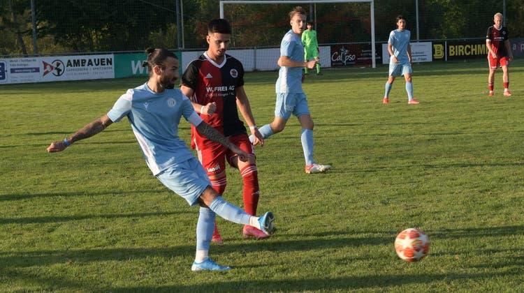 In der ersten Hälfte sah es noch rosig aus für den FC Dietikon: Leandro Di Gregorio gab per Freistoss den Assist zum 1:0 für Dietikon. (Michel Sutter)