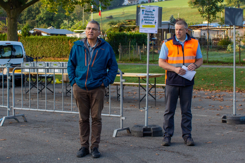 Lucas Neff (Grüne), Stadtrat und Vorstand der Infrastrukturabteilung hatte zuvor die Freiwilligen begrüsst. Torsten Hartmann, Leiter Abfallwesen der Stadt, erklärte, wie vorgegangen wurde und was zu beachten war.