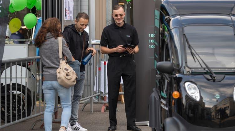 E-Mobilitätstagauf dem Areal der ZVB. Es wurden Trends und Technologien der Elektromobilität vorgestellt. (Bild: Maria Schmid (Zug, 18. September 2021))