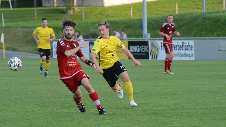 In der ersten Cup-Runde gegen LigakonkurrentPfynhatte es für Luca Keller (rechts) und den FC Kirchberg noch zum Weiterkommen gereicht. (Bild: Beat Lanzendorfer)