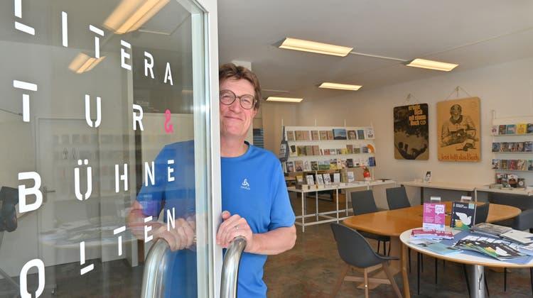 Tür auf für die neue Literaturbühne in Olten: Verleger Thomas Knapp hat das Lokal an der Leberngasse 17 seit kurzem eingerichtet. (Bruno Kissling)