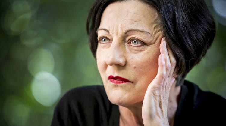 Postkarten einer Nobelpreisträgerin: Collagen von Herta Müller erstmals in der Schweiz ausgestellt