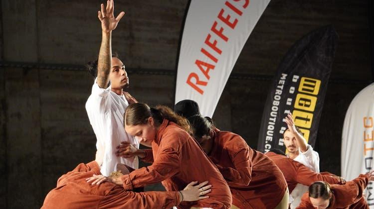 Unter anderem die Gruppe «LA FAM»aus Österreich trat in der Kiesofenhalle auf. (zvg)