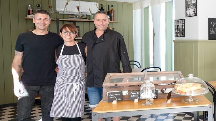 Das neue Team im Brunellino: Felice und Manuela Forte mit Koch Michele Algieri. (Bild: Ursula Burgherr)