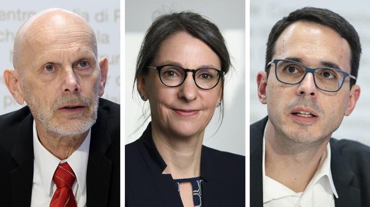 BAG-Chefin Anne Lévy sucht eine neue Chefin oder einen neuen Chef für die Abteilung Übertragbare Krankheiten. Zuletzt hatten Daniel Koch (l.) und Stefan Kuster den Posten inne. (Bilder: Keystone)