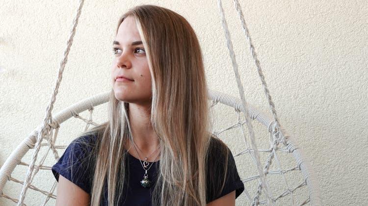 Positiver Blick in die Zukunft: Nicole Pfundwill mit ihrem Buch anderen Menschen helfen und sie ermuntern, zu ihren Ängsten zu stehen. (Ursula Burgherr)