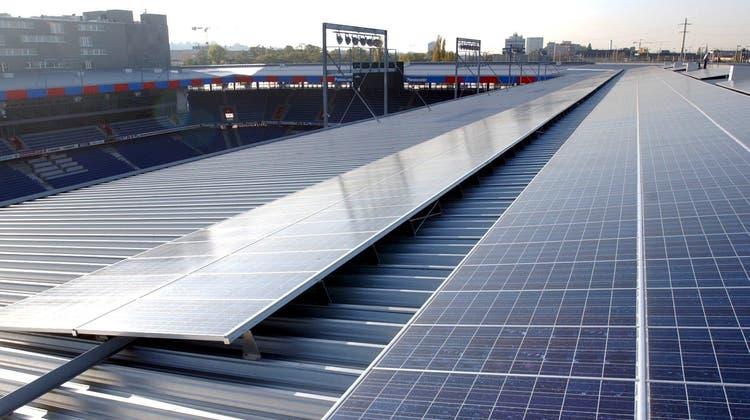 Basels verstecktes Energie-Potenzial liegt auf den Dächern der Stadt. (KEYSTONE)