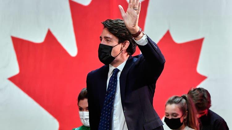 Die liberale Partei von Ministerpräsident Justin Trudeau hat nach ersten Ergebnissen die vorgezogene Parlamentswahl in Kanada gewonnen. (Eric Bolte / EPA)