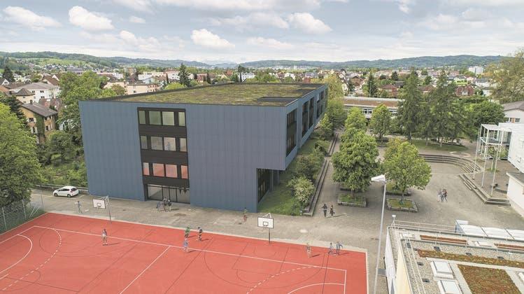 Das Oberstufenschulhauses in Oberentfelden soll saniert und um zwei neue Etagen vergrössert werden. (Visualisierung: Zur Verfügung gestellt)