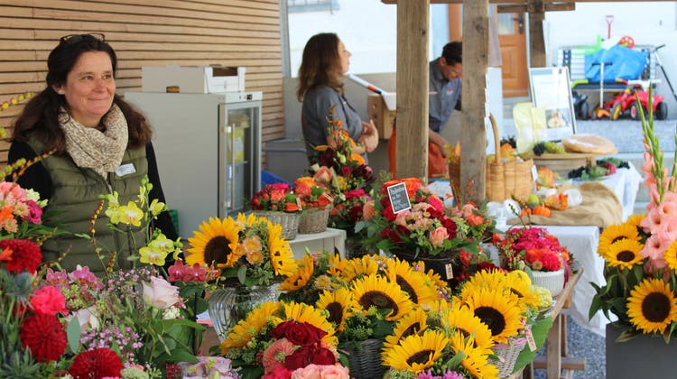 Auch die Wigoltinger Blumenfee Suanne Jufer ist mit einem Stand am Herbstmarkt vertreten. (Bild: PD)