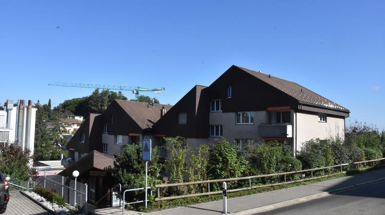 Nach der Fusion sollen die beiden Mehrfamilienhäuser an der Saumstrasse in Herisau für 6,3 Millionen Franken saniert werden. (Bild: Ramona Koller)