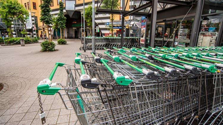 Einkaufen in Deutschland (im Bild das Rheincenter in Weil) ist für die Schweizerinnen und Schweizer preislich attraktiv. (Bild: Nicole Nars-Zimmer (12. Juni 2021))