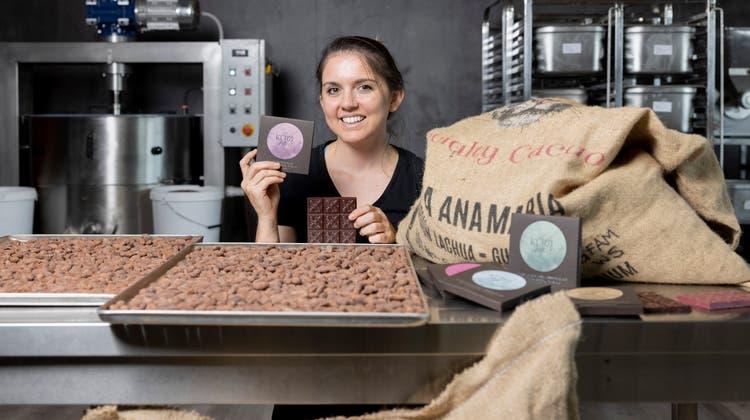 """Britta Kürzi betreibt in Schlieren die Schokoladen-Manufaktur """"Kürzi Kakao"""", fotografiert am 17. September 2021. (Severin Bigler / © CH Media)"""