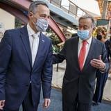 Aussenminister Ignazio Cassis in New York mitUNO-Generalsekretär António Guterres (r.). (Keystone)