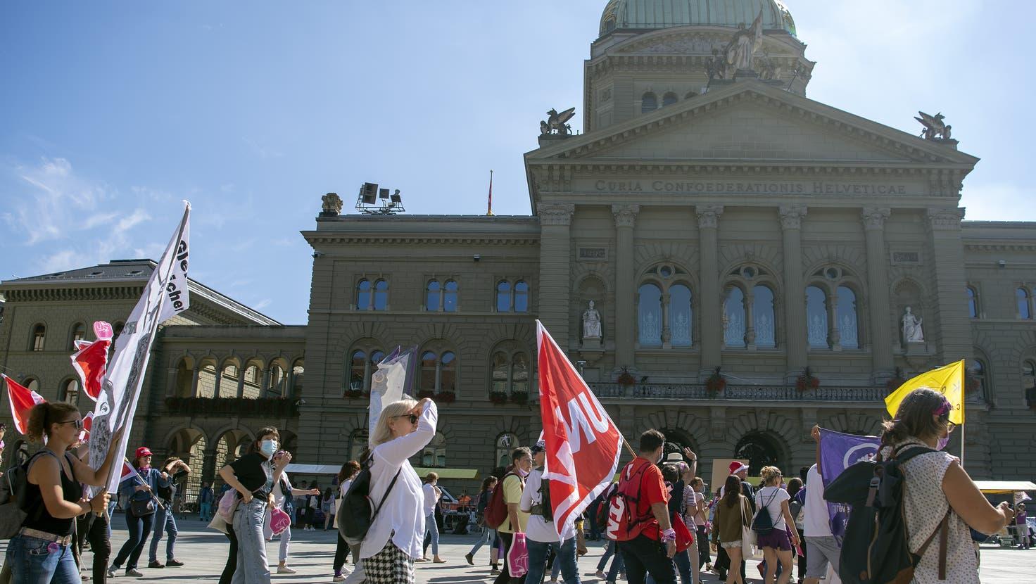 In Bern unerwünscht, wollen die Massnahmenskeptiker am Donnerstag in Willisau demonstrieren. (Bild: Peter Schneider/Keystone (Bern, 18. September 2021))