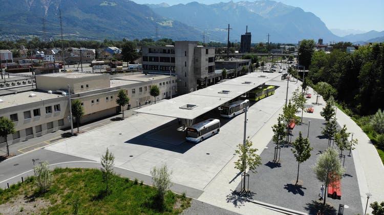 Weniger Aufenthaltszeit am Bahnhof Buchs: Die Linie Buchs-Gams soll mit Blick auf das Buskonzept 2025 optimiert werden. (Bild: Archiv)