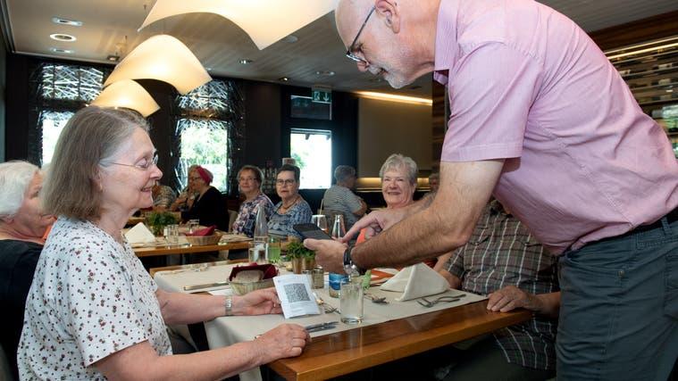 Ohne Zertifikat kommen Gäste nicht mehr ins Restaurant. (Themenbild: Eveline Beerkircher)