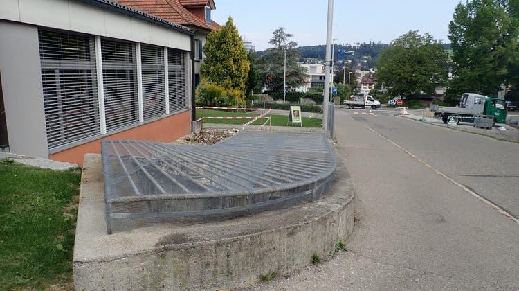 Hier unterhalb der Menziker Gütschstrasse sollen Jugendliche ihren Freiraum finden. (Cynthia Mira / Aargauer Zeitung)