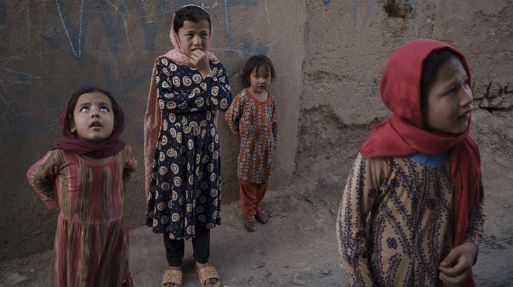 Afghanische Mädchen, wie hier in der Hauptstadt Kabul, sind besonders gefährdet. (Bild: Felipe Dana)