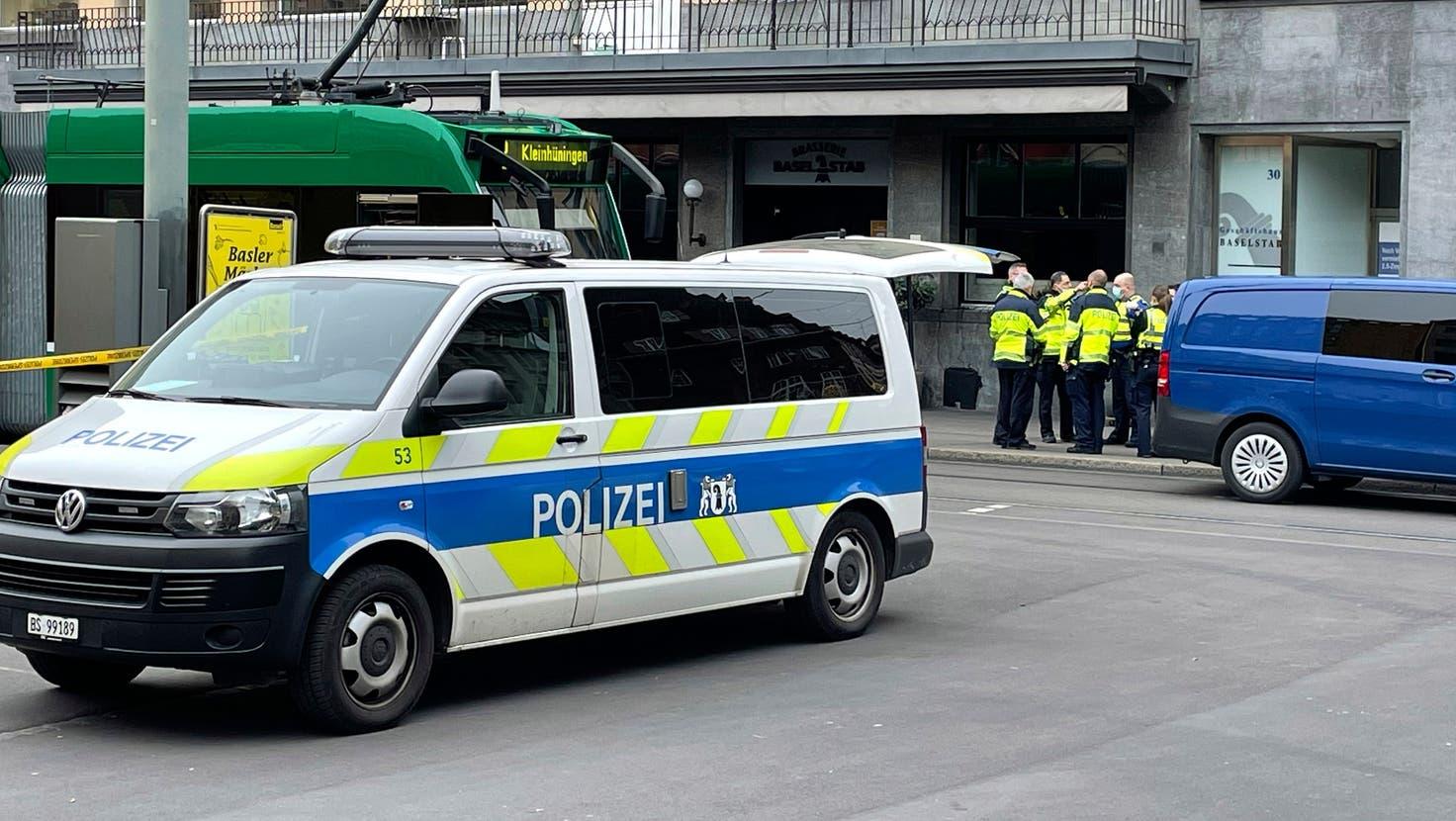 In Basel kommt es verglichen mit anderen Schweizer Städten zu den meisten Gewaltstraftaten. (Symbolbild: Kenneth Nars)