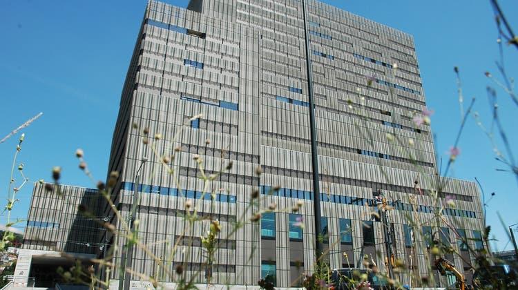 Auch die Zürcher Hochschule der Künste auf dem Toni-Areal ist von der Änderung betroffen. (Matthias Scharrer)
