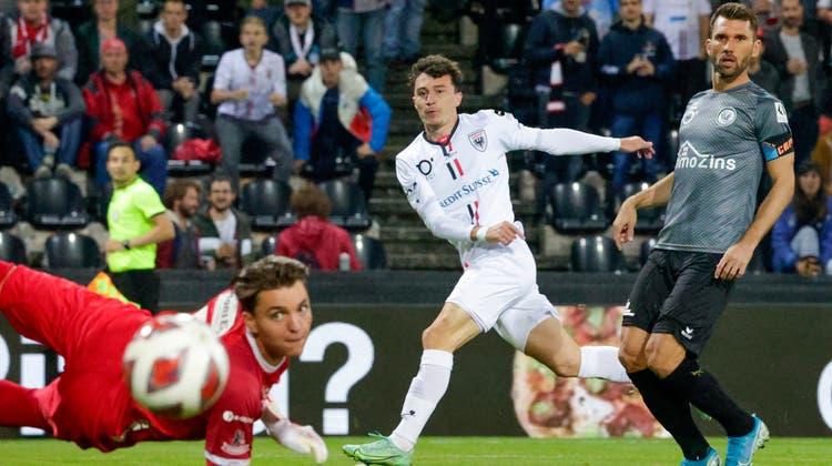 Wils Goalie Marvin Keller hat gleich zwei Penaltys pariert - und das binnen drei Tagen. So auch bei diesem Spiel in Aarau. (Bild: Marc Schumacher, Freshfocus)