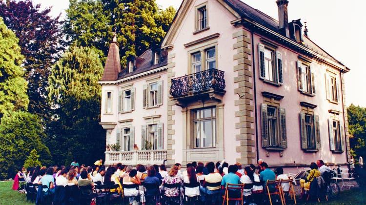Im Park des Schlosses Breitenstein wurden immer wieder auch Vorträge gehalten. (Bild: PD/ Roswitha Bosch)
