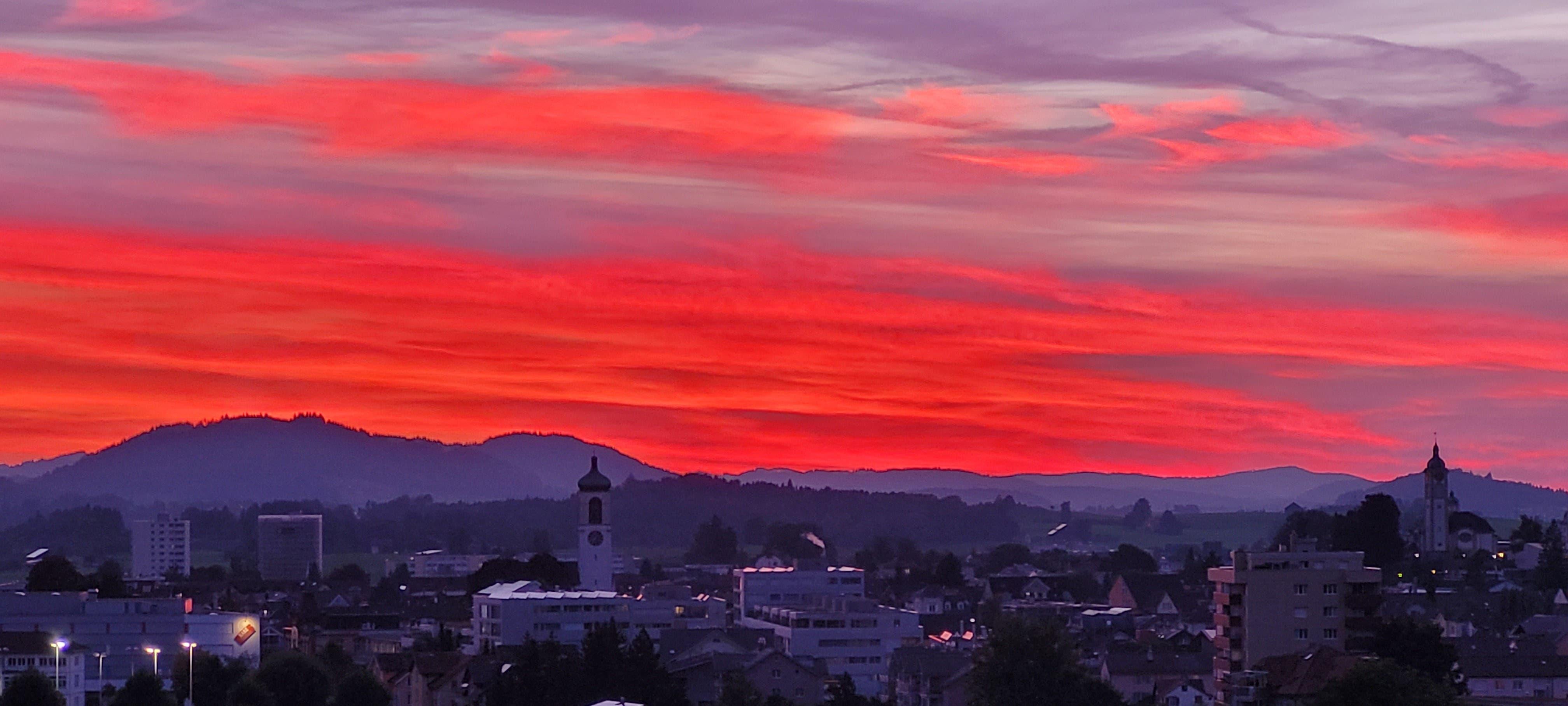 Sonnenuntergang über Gossau.