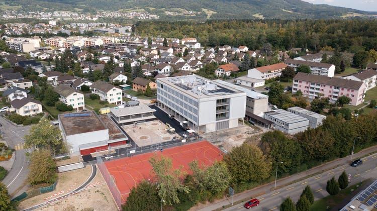 Das Mobiliar des neuen Schulhauses Risiacher in Buchs wird durch die Kreisschule bezahlt. (Michael Küng)