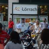 Die bessere Anbindung dürfte künftig noch mehr Schweizer Einkaufstouristen nach Lörrach locken. (Juri Junkov)
